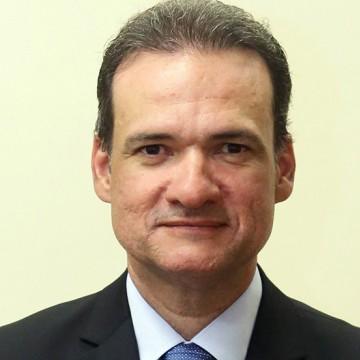 Paulo Câmara rebaixa Nilton Mota e coloca José Neto na Casa Civil