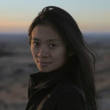 Chloé Zhao faz história como a segunda diretora premiada no Globo de Ouro