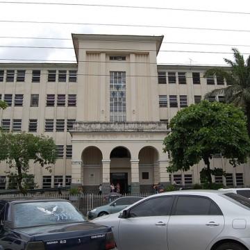 Vídeo divulgado nas redes sociais denuncia o uso de furadeira doméstica para cirurgias em hospital do estado