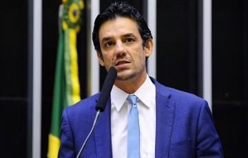 """Daniel diz que delegada Patrícia Domingos é vítima de """"perseguição política"""""""