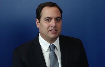 Governador volta ao Recife com centenas de pedidos na bagagem
