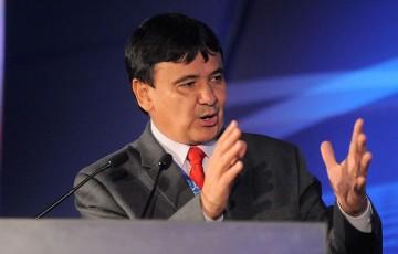 Governador petista recepciona Bolsonaro no município de Parnaíba