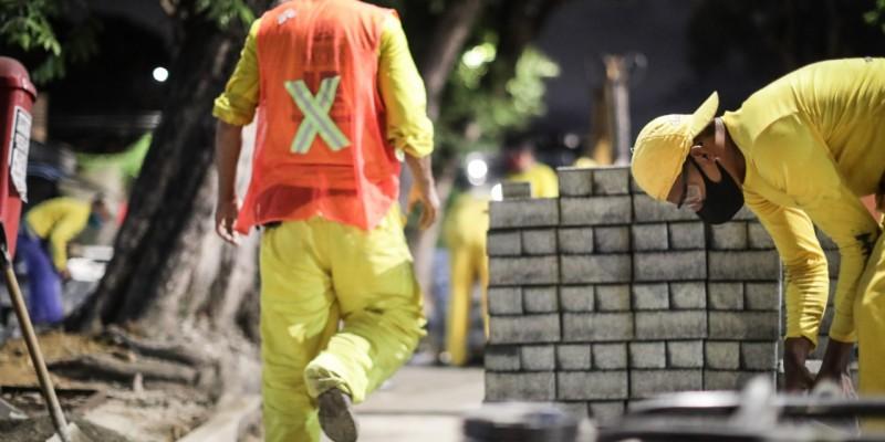 Na Rua Conselheiro Portela, no bairro do Espinheiro, a obra já está em andamento