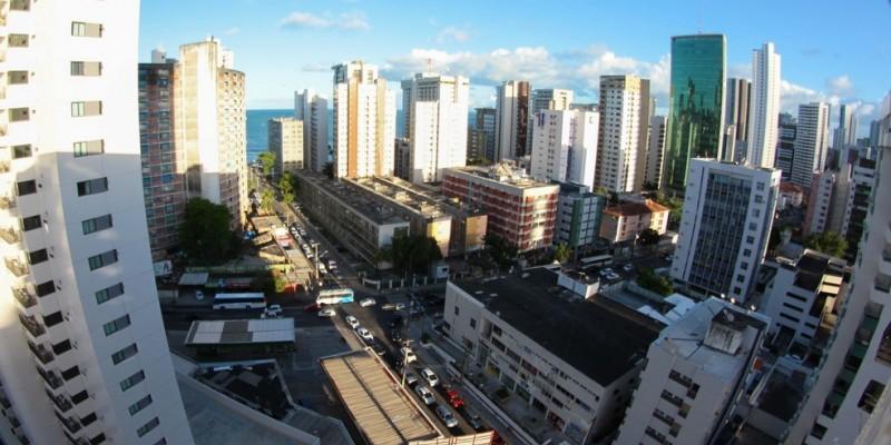 A capital pernambucana foi a única a apresentar queda nos valores dos imóveis residenciais, tendo sido de (-3,76%), enquanto no país houve uma alta de 2,31%