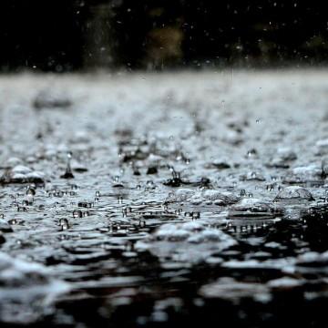 Chuvas com intensidade moderada a forte devem cair até este domingo