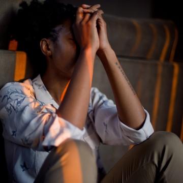 Taxa de suicídio aumentou 24% entre pessoas de 10 a 19 anos