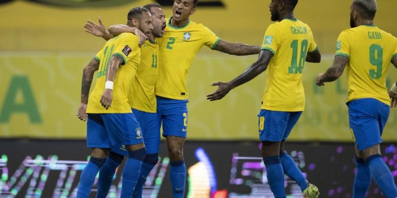 Neymar marca e se torna maior artilheiro do Brasil na competição
