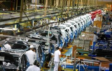 Plásticos nos automóveis, veículos mais leves e sustentáveis