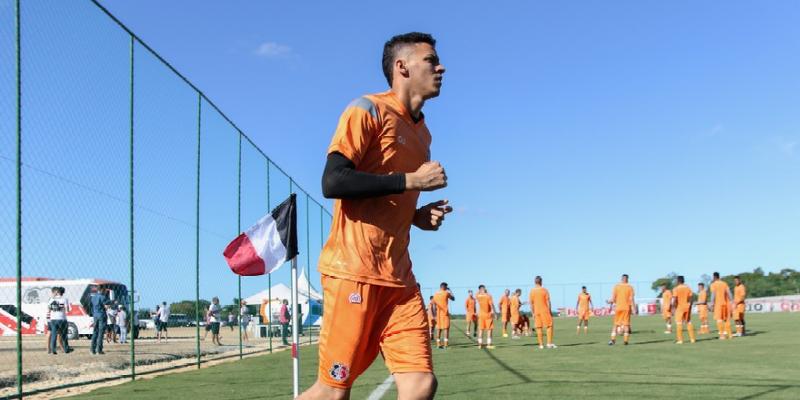 Duelo único pela Copa do Brasil será disputado em Cuiabá, terra natal do goleiro coral
