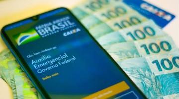 Auxílio emergencial terá mais duas parcelas, afirma Bolsonaro