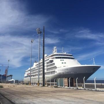 Navio retido no Recife por risco de contaminação pela Covid-19 é liberado pela Anvisa