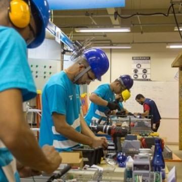 CNI: Faturamento da indústria cai pela primeira vez em sete meses