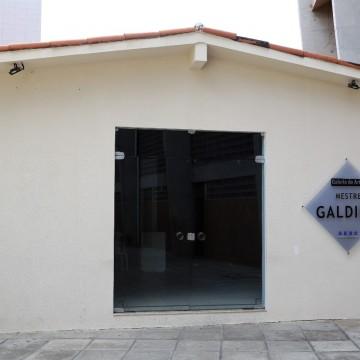 Sesc Caruaru retoma atividades presenciais da Galeria de Arte Mestre Galdino