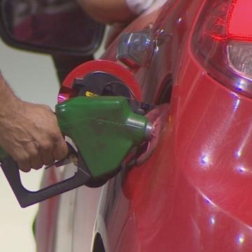 Gasolina tem novo reajuste nas bombas de combustível da RMR