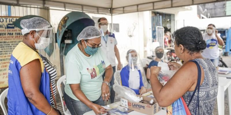 Estações Itinerantes vão distribuir kits com máscaras e informativos em diferentes bairros dos municípios, das 8h às 16h