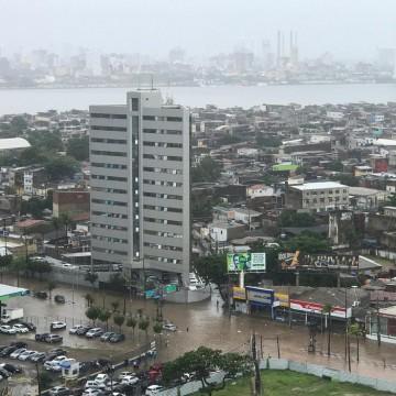 Chuvas continuam ao longo desta segunda