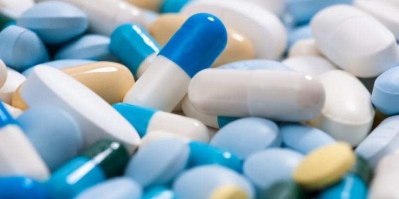 Para fazer jus ao reajuste de preços, as empresas produtoras e importadoras de medicamentos deverão apresentar à CMED relatório de comercialização até o dia 9 de abril