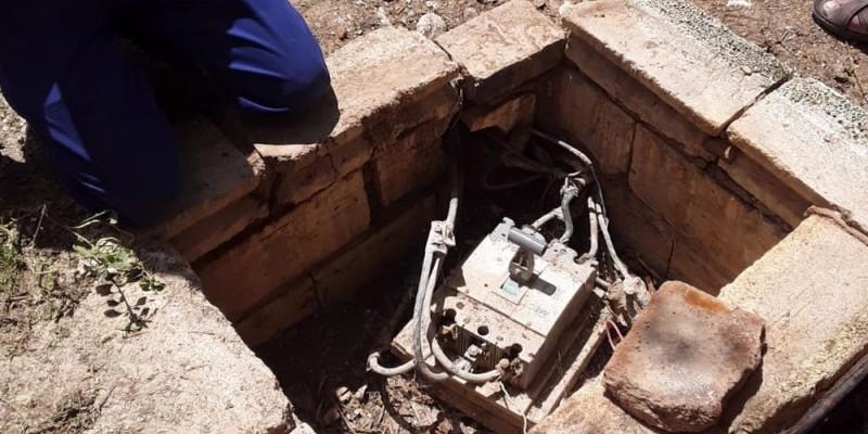 Durante a operação, foram removidas redes clandestinas de média tensão, construídas pelas empresas para abastecimento das instalações