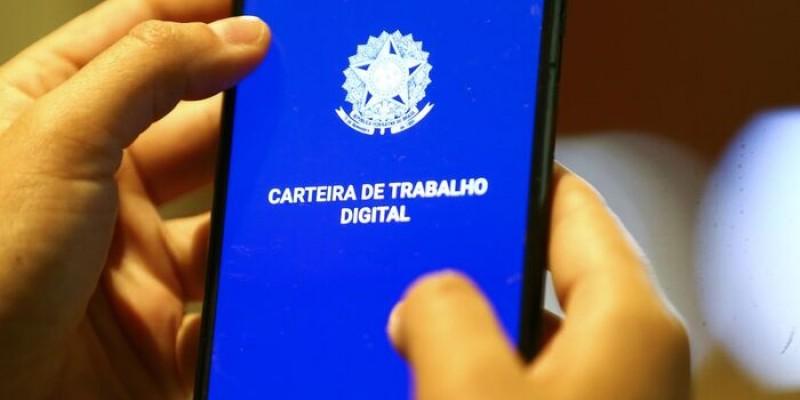 Em Pernambuco, o setor que mais abriu novas oportunidades no último mês foi a indústria