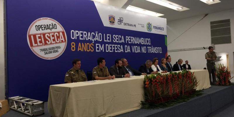 O encontro acontece no Teatro Tabocas no Centro de Convenções em Olinda, nesta quarta-feira (11), data que celebra oito anos da operação em Pernambuco