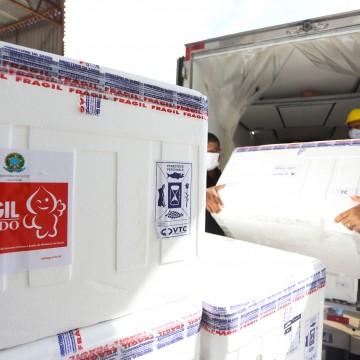 Pernambuco recebe nova remessa de vacinas e amplia imunização de grupos prioritários