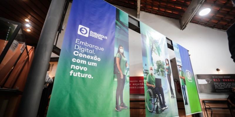 A ideia da formação, lançada nesta terça (14), é impactar positivamente a economia do polo de tecnologia e inovação da cidade através do aumento da oferta de mão de obra qualificada para o setor