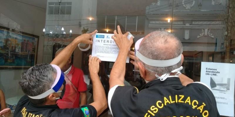 O Procon informou que fiscalizou, ainda, 16 marinas na Região Metropolitana, nos bairros de Barra de Jangada, em Jaboatão; Pina, no Recife; e Maria Farinha, em Paulista