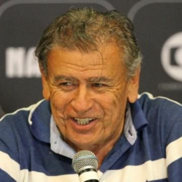 Ex-técnico Nereu Pinheiro morre no Recife