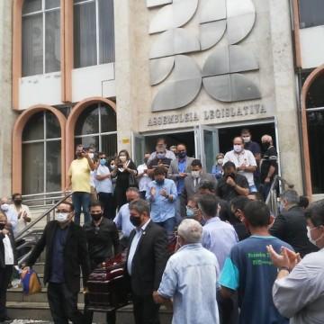 Corpo do deputado estadual Genival Matias é velado na Paraíba
