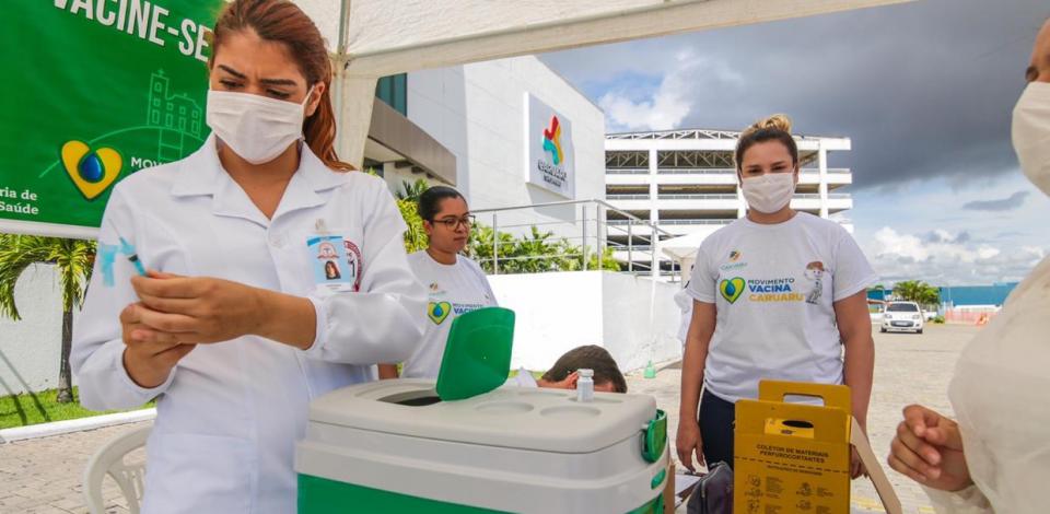 Prefeitura de Caruaru realiza caravana de vacinação contra o coronavírus nos bairros