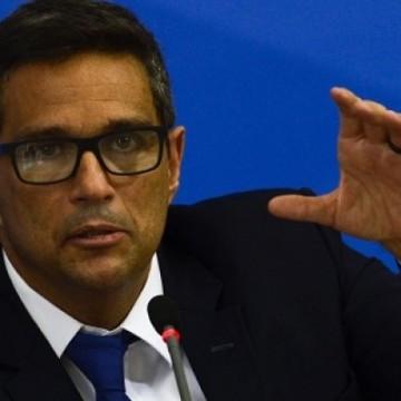 Prorrogar auxílios pode contrair economia, diz Campos Neto