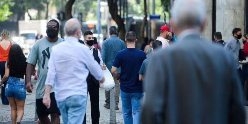 O desemprego teve leve queda de 0,6 ponto percentual e ficou em 14,1% no segundo trimestre