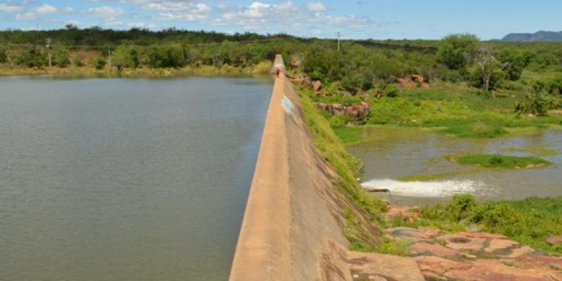 A iniciativa deverá garantir a perenização da barragem sertaneja, possibilitando a retomada da agricultura familiar na cidade