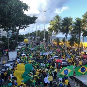 Contra decisão do STF, manifestantes protestam no Recife