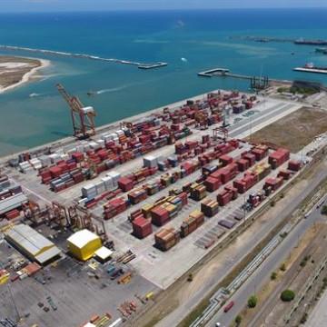 Porto de Suape conta com nova área de fundeio