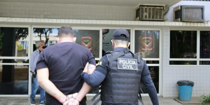 Na operação Dubai, nome que faz referência ao chefe da organização criminosa, foram cumpridos seis dos oito mandados de prisão expedidos pela Justiça, já que um suspeito morreu no decorrer das investigações e o outro não foi localizado.