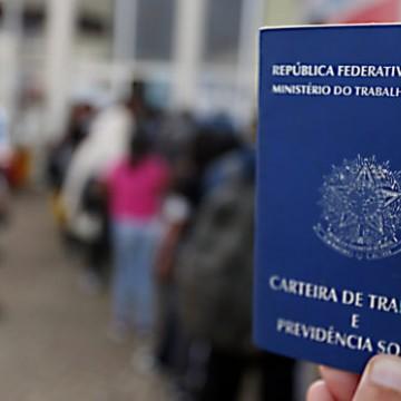 Desemprego fica estável, mas informalidade brasileira bate recorde