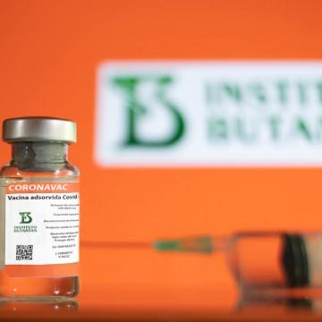 Eficácia da vacina pode ser comprometida se não cumprir período determinado, diz infectologista