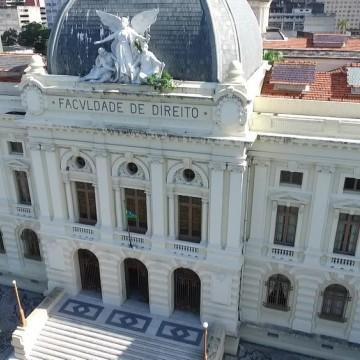 Faculdade de Direito do Recife tem arquivos com documentos históricos roubados