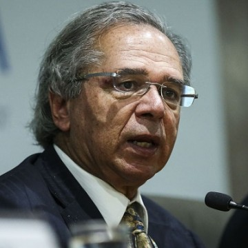 Ministro da Economia quer reforma desonerando a folha de pagamentos