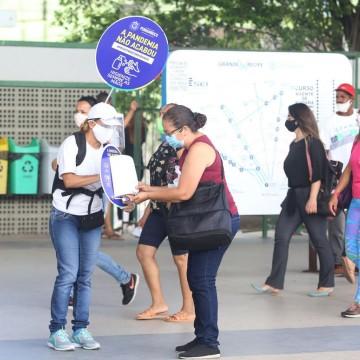 Governo de Pernambuco distribui 50 mil máscaras para usuários do transporte público da RMR