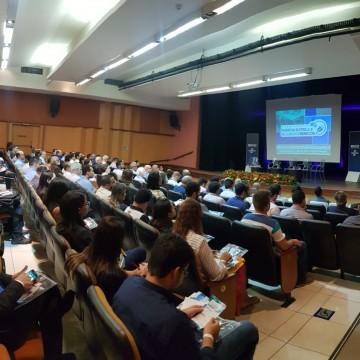 Seminário no Recife discute energia elétrica e recursos hídricos