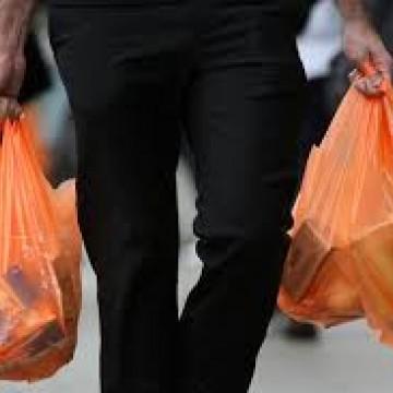 Distribuição de sacolas plásticas no comércio do Recife pode ser proibida