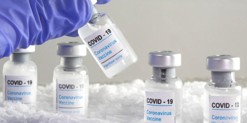 O governador Paulo Câmara (PSB) tem negociado a aquisição direta para compra da vacina Sputnik V, da Rússia