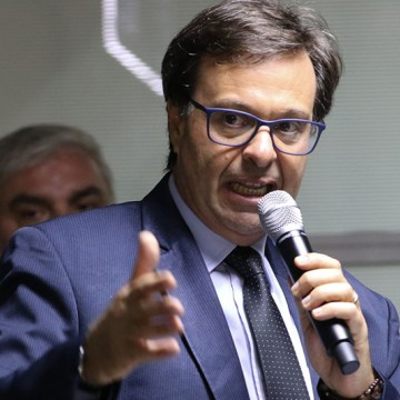 Presidente da Embratur toparia ser candidato à prefeitura do Recife