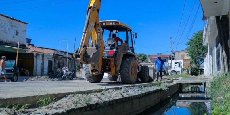Melhorias como novos asfalto e sistema de drenagem
