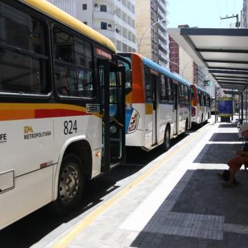Primeiro dia de flexibilização das atividades econômicas no Grande Recife conta mais ônibus nas ruas