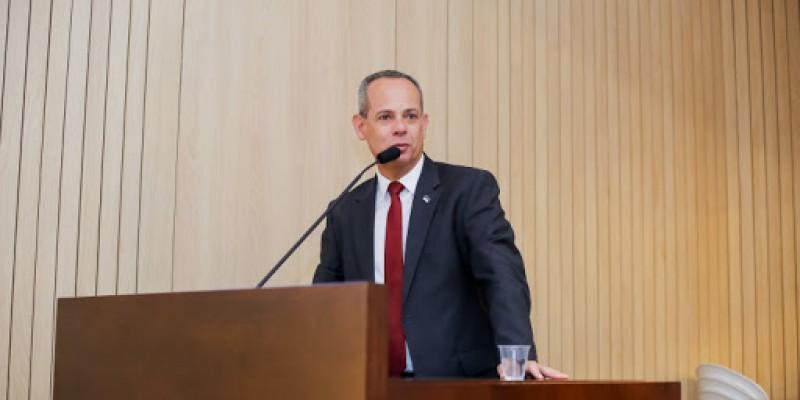 Fred Amâncio ressalta a importância do fundo por ser a principal fonte de financiamento da educação do Brasil