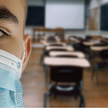 PE autoriza retomada das aulas presenciais do ensino médio em outubro