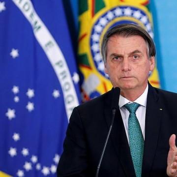 Bolsonaro assina PL para estimular a navegação de cabotagem no Brasil